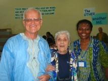 32 - Pia con Fran e Winnie, nel 2012 responsabili della Mariapoli di Fontem
